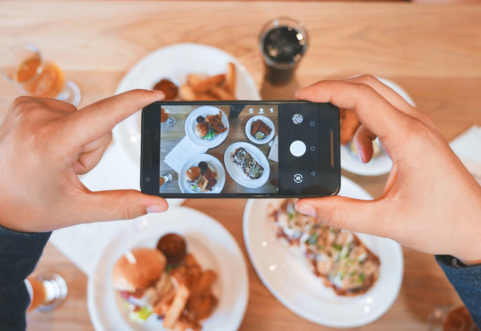 Immagine Mangiare con una app: sì, ma quale? 1