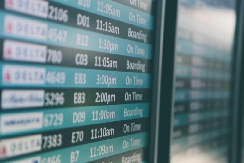 Prenotare voli dal cellulare: il modo migliore di farlo